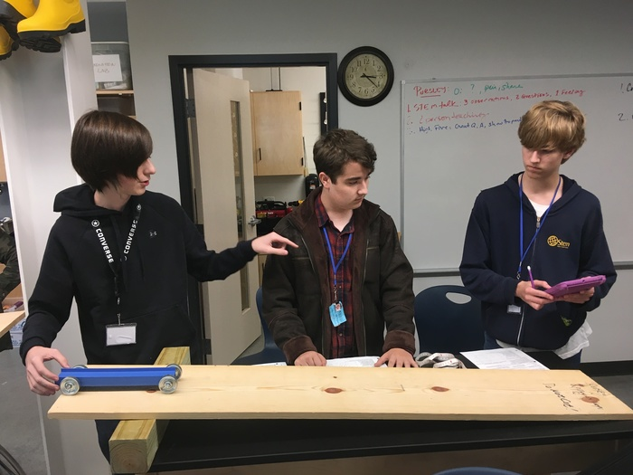 @eStemHighPCS   eStem advanced chemistry students conduct a simple kinematics experiment to measure changes in position, velocity and acceleration.